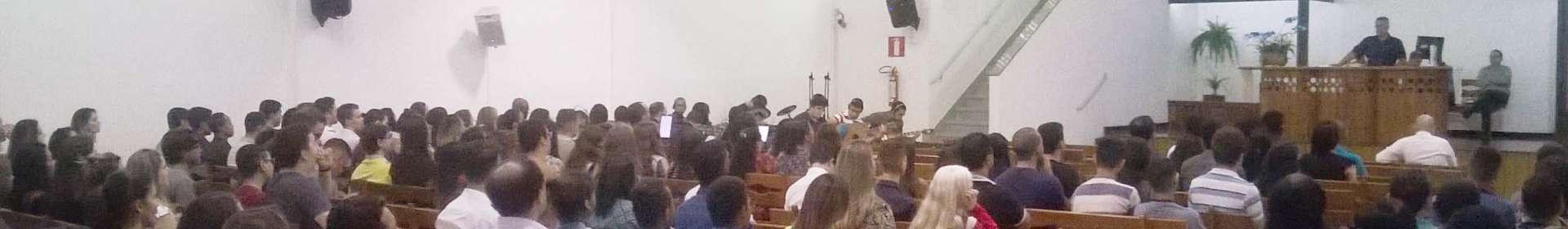 Jovens de Belo Horizonte e Bom Destino (MG) participam de reunião