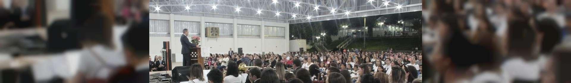 Igreja Cristã Maranata de Matipó, MG, realiza culto de glorificação pelos jovens e universitários