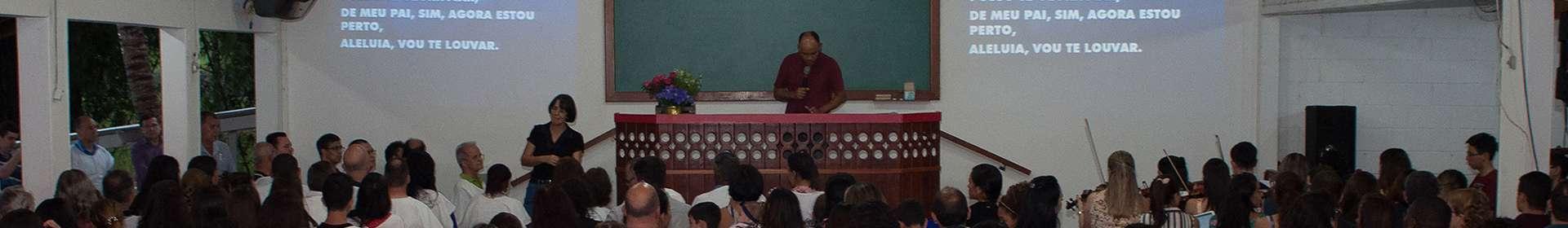 Igrejas da região do Vale do Paraíba, SP, realizam batismo e ceia