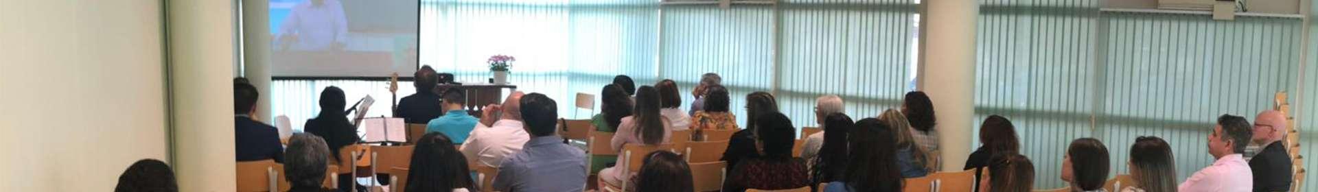 Seminário da Igreja Cristã Maranata em Amsterdã, Holanda, reúne senhoras