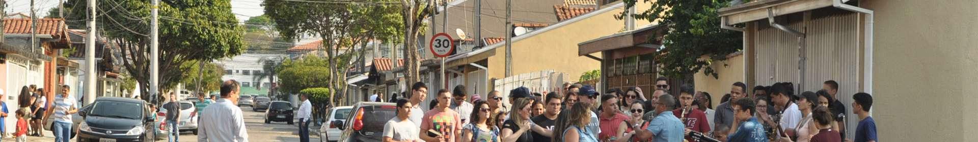 Trabalho evangelístico em São José dos Campos, SP, envolve membros da Igreja Cristã Maranata