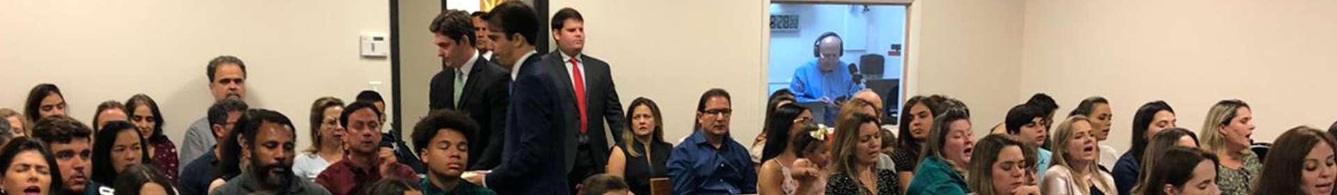 Culto de ceia na Flórida, EUA, reúne membros da Igreja Cristã Maranata