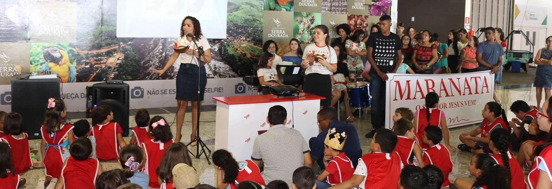 Evangelização da Igreja Cristã Maranata em centro comercial gera frutos espirituais