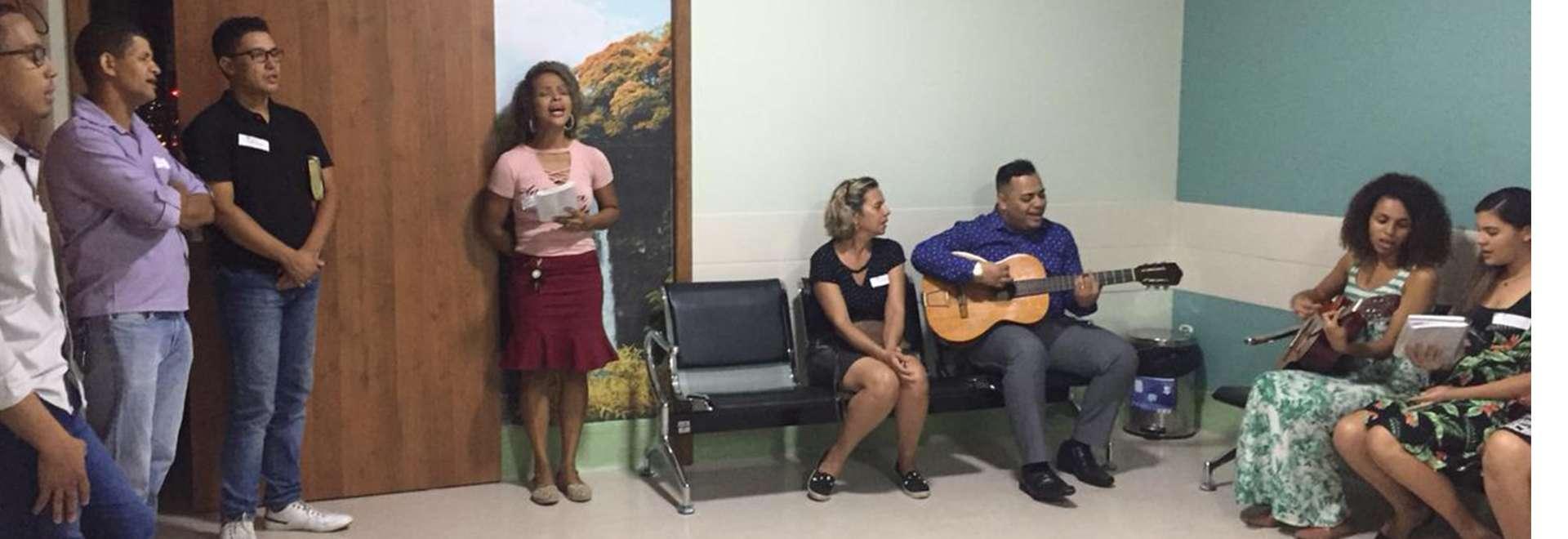 Musicoterapia da Igreja Cristã Maranata em hospitais de Vila Velha, ES, gera resultados espirituais