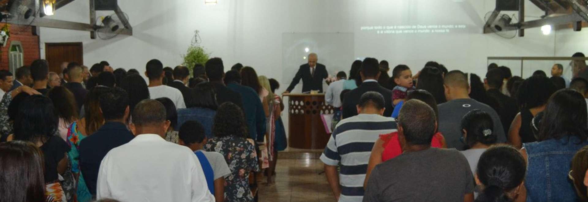 Igreja Cristã Maranata de Terra Vermelha I, em Vila Velha, glorifica a Deus pelos seus 28 anos